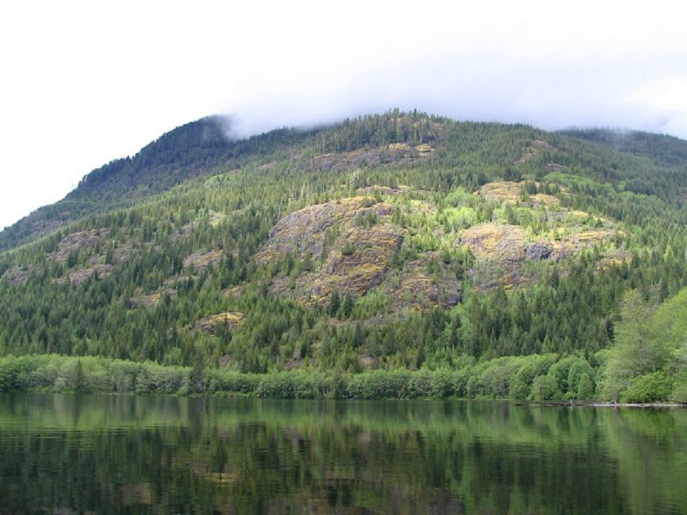 Kunlin Lake , Vancouver Island, Pacific Northwest