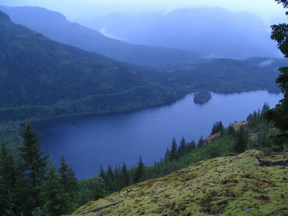 Kunlin Lake, Vancouver Island, Pacific Northwest